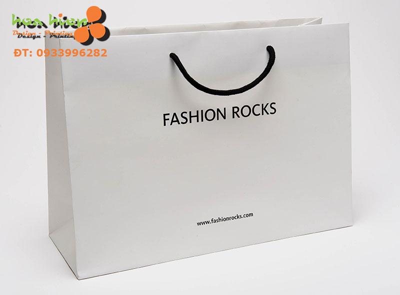 In túi giấy cho shop quần áo