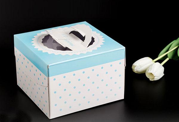In hộp bánh sinh nhật tại TPHCM