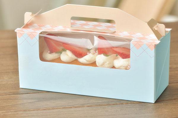 In hộp đựng bánh