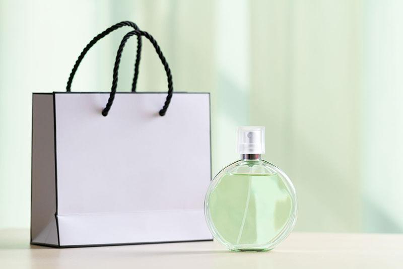 In túi giấy đựng nước hoa