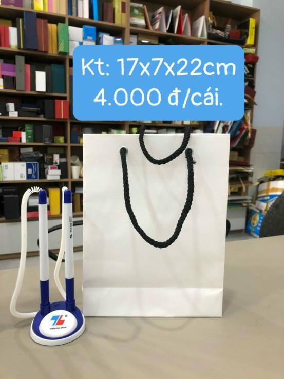 Túi giấy kích thước 17x7x22cm